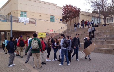 Carlmont students gather in the quad after school.