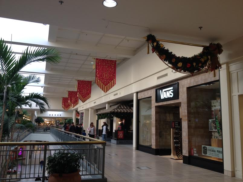 The+commercialization+of+the+holiday+season