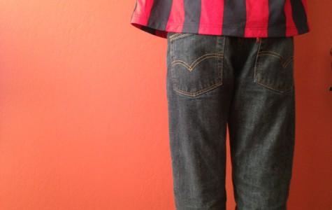 Male wearing baggy jeans.
