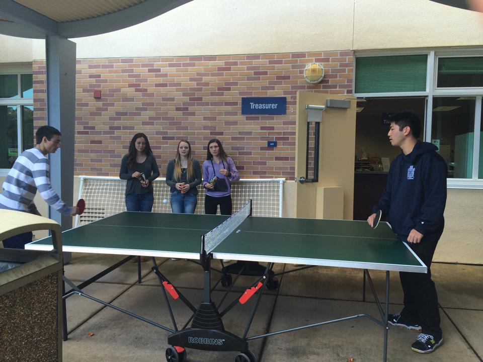 From right to left: Calvin Tzeng, Kaitlyn Sanders, Melissa Talgo, Devon Reed and Ryan Freeman have fun while playing a friendly game.