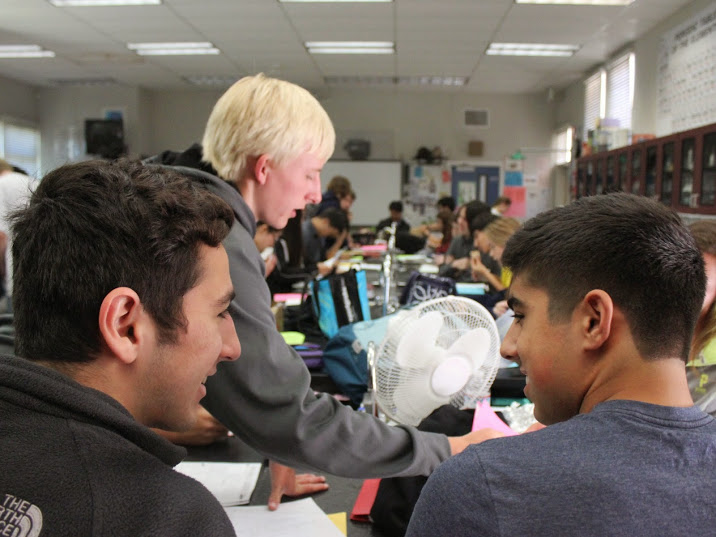 Sophomores Shant Narkizian and Seena Sebt make corrections to their AS Chemistry test during lunch.