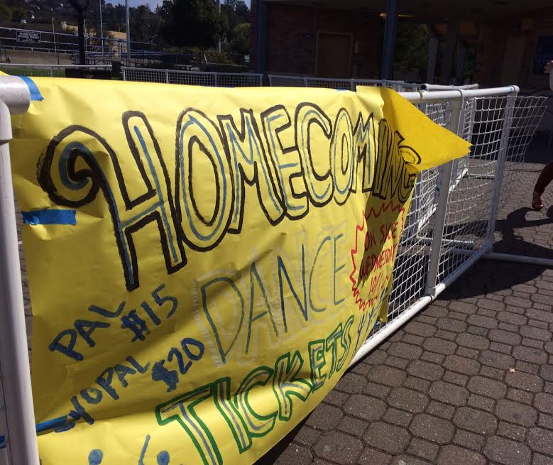 Students+prepare+for+Homecoming+Dance