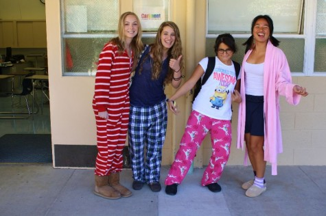 Carlmont students celebrated the Monday morning of Homecoming Week by coming to school without having to deal with the task of getting dressed.