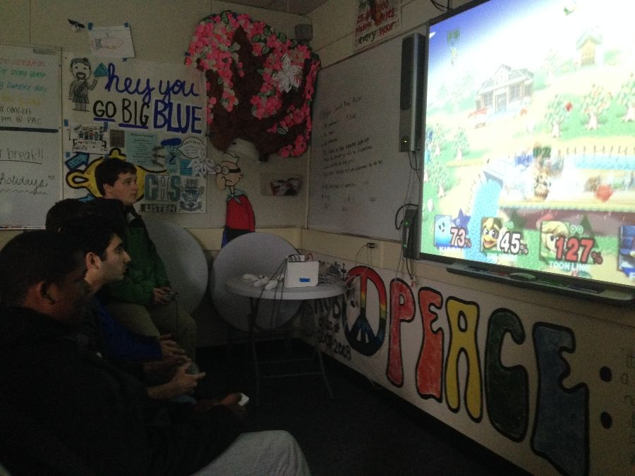 Gamers+at+Super+Mario+Smash+Bros.+Brawl+tournament