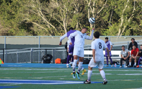 Boys Varsity falls to Sequoia 2-1.
