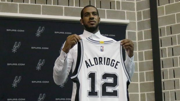 LaMarcus+Aldridge+leaves+Portland+and+makes+his+way+to+San+Antonio.