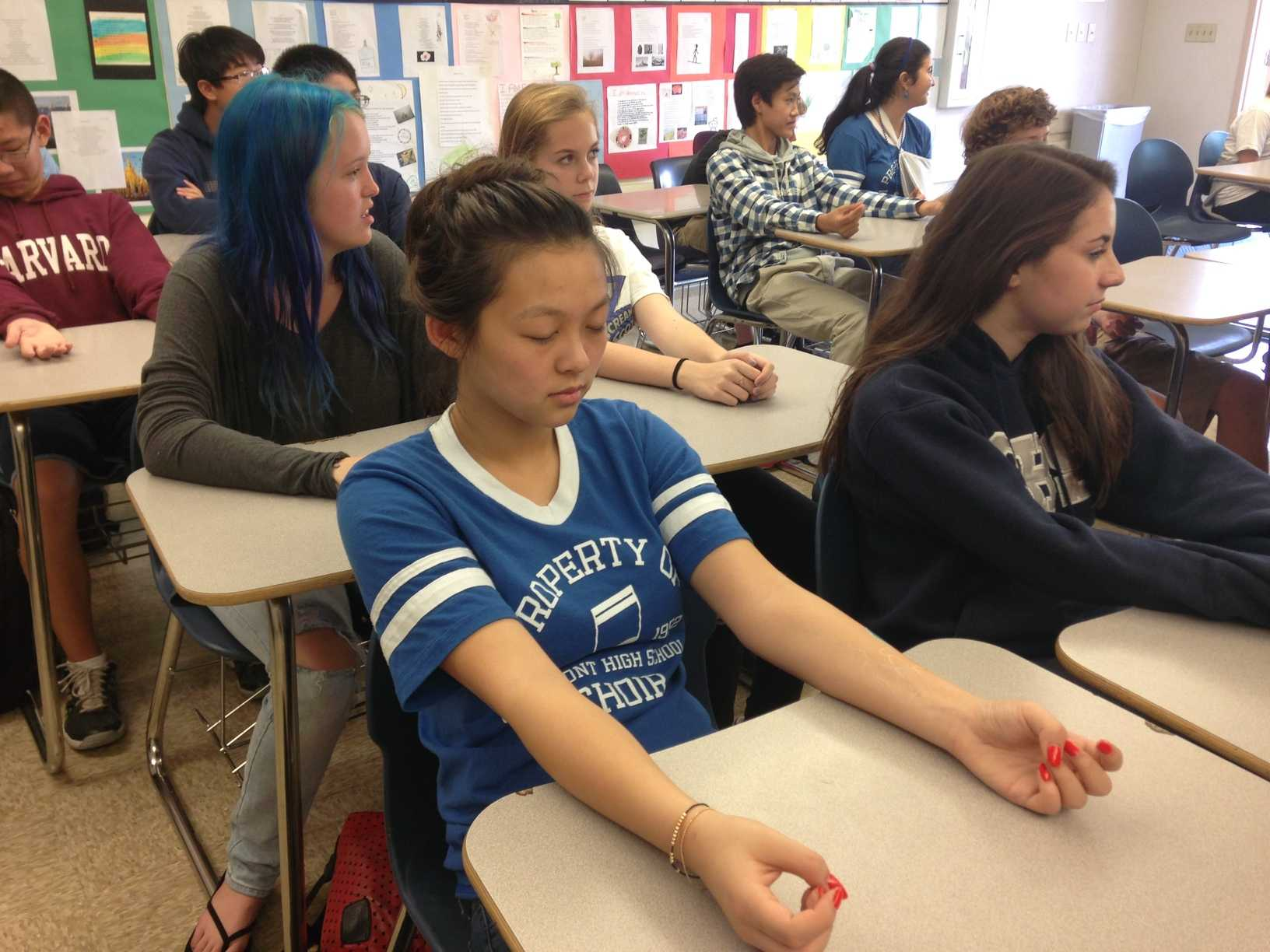 Lydia Lelapinyokul destresses through guided meditation before a quiz.