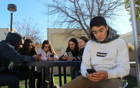 Sophomore Artie Hazelton spends his free time surfing the web with his group of friends.