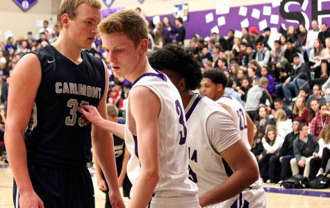 Carlmont takes a tough loss to Sequoia