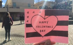 Carlmont bands together to write Valentine cards to veterans.
