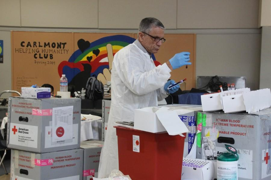 For everything to run smoothly, all the tubes, bags, and equipment must be organized and sterile.