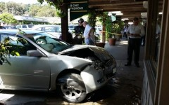 Car crashes into Carlmont Shopping Center