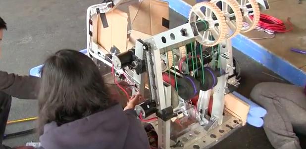 Carlmont+Robotics+prepares+for+competition+-+Bijan+Khalili