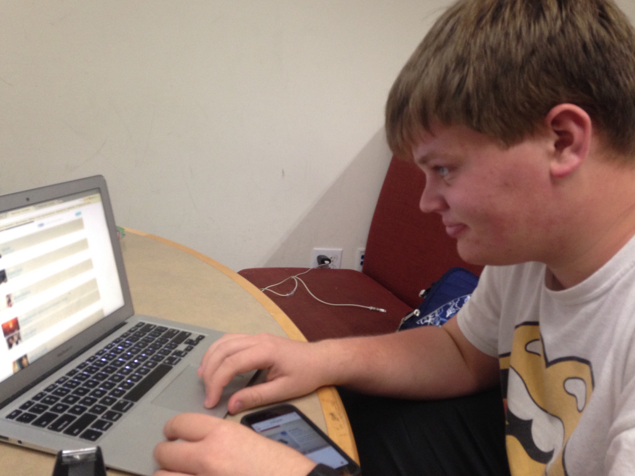 Sophomore William Yonts scrolls down his Facebook feed. Many advertisements, targeted directly to him, appear.