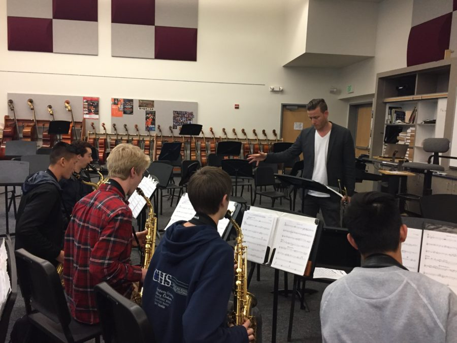 Brian Switzer teaches the jazz ensemble during third period.