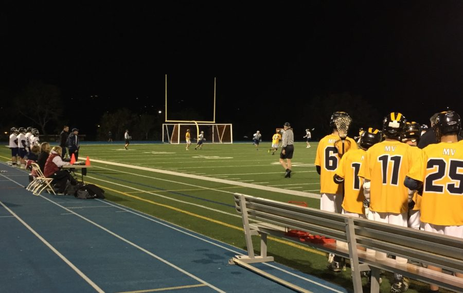 The varsity team struggles to catch up to Mountain View's much larger score during the second half.