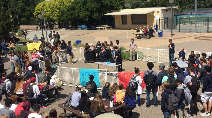 On April 19, students in the quad enjoyed magic tricks during the Carlmont's Got Talent competition.