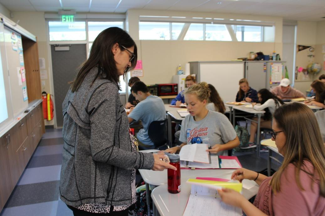 Spanish+teacher+Carly+Gatzert+instructs+her+class+in+a+new+general+use+classroom+on+the+second+level+of+S-wing.