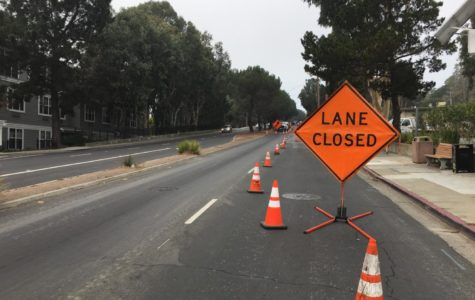 The right lane on Ralston Avenue is closed due to the pipeline construction.