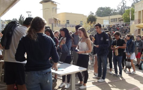 One-day homecoming ticket sale draws students to the quad