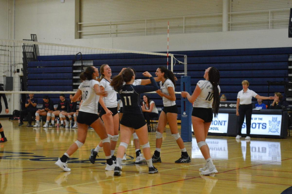 The Lady Scots celebrate their victory over the Aragon Dons.