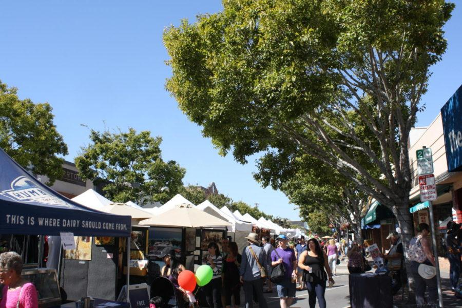 Vendors+stretched+all+the+way+down+Laurel+Street+and+extended+onto+San+Carlos+Avenue.+