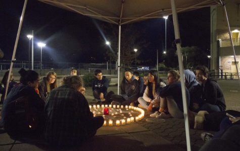 Candlelight vigil brings Carlmont community together
