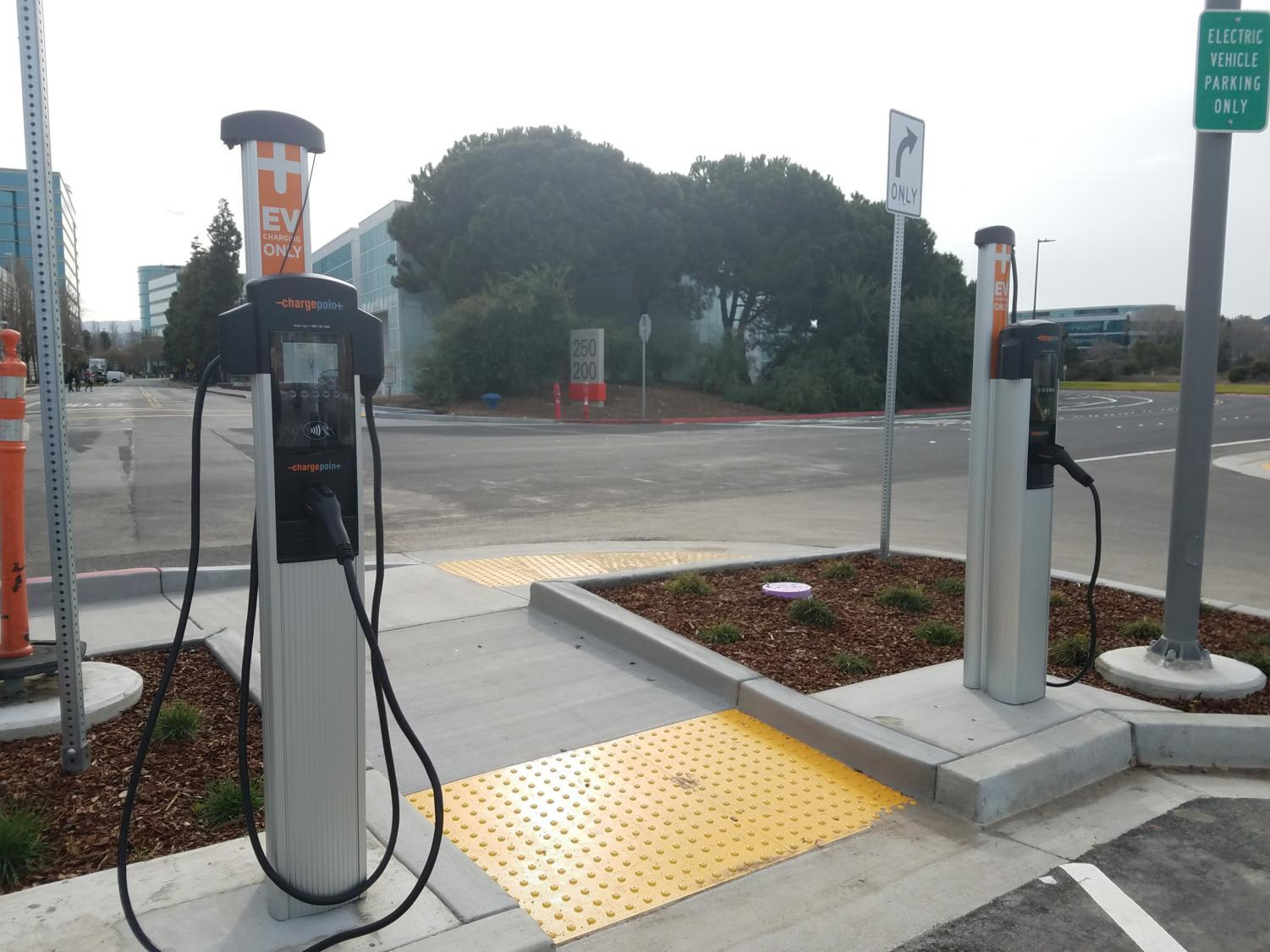 The+new+campus+has+charging+ports+for+electric+cars+in+its+parking+lot.
