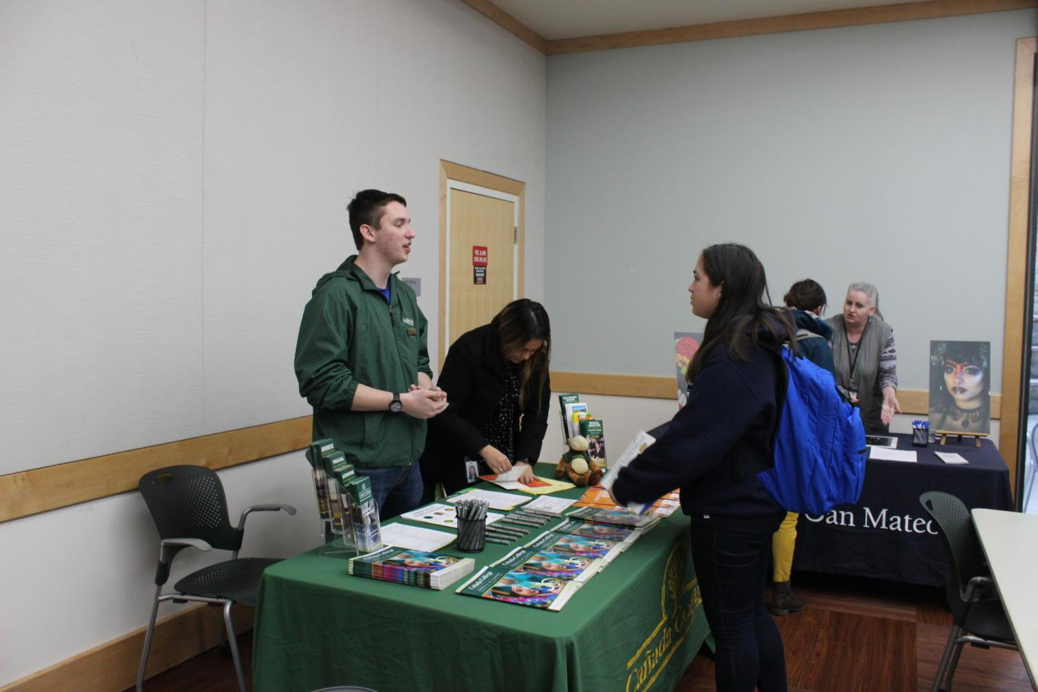 Life hacks meeting gives students information about alternatives to a four year college