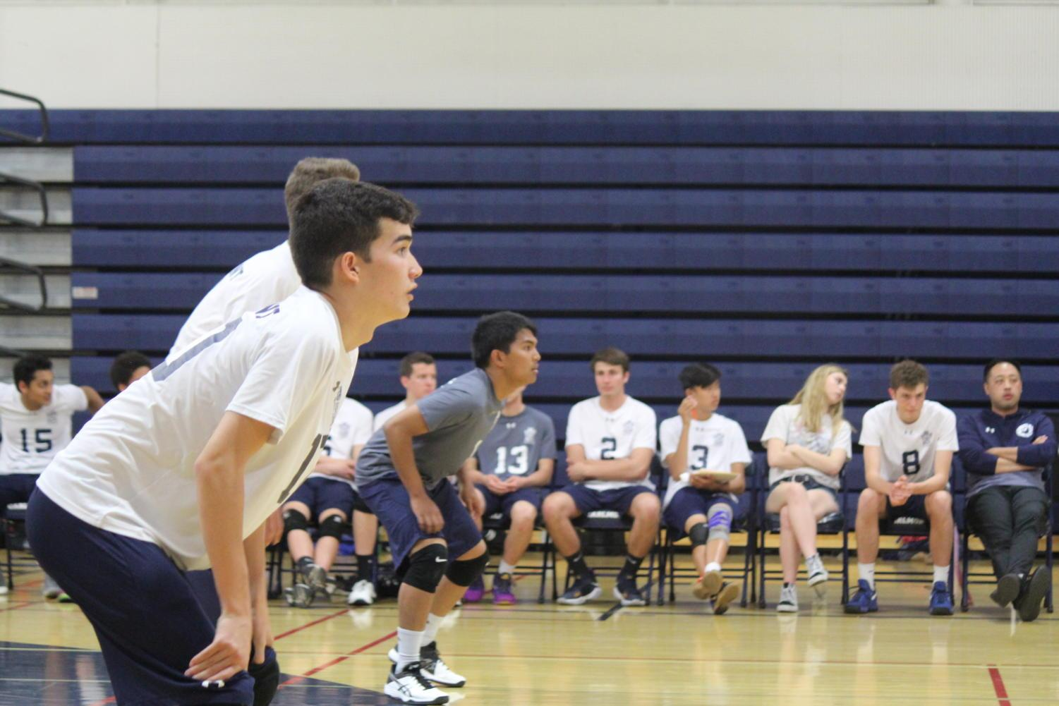 Juniors+Ezekiel+Licudine+and+Trey+Chock+get+ready+for+an+incoming+serve.