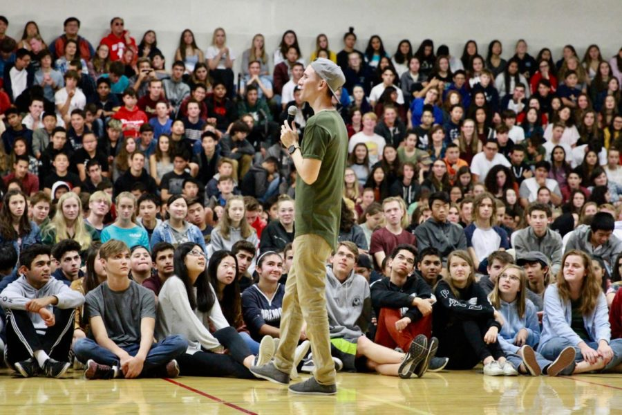 Youth motivational speaker Scott Backovich addresses students at Carlmont's Welcome Back Assembly on Sept. 5.