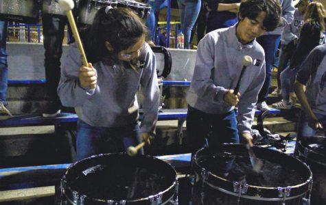 Carlmont Drumline encourages school spirit