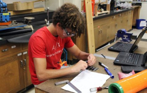 Carlmont Robotics strives to build teamwork