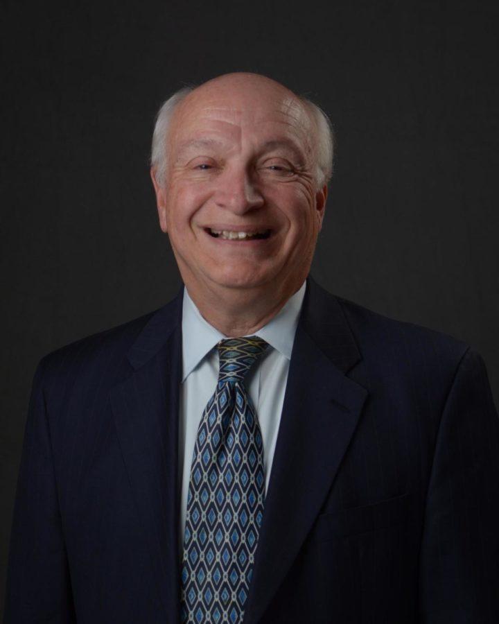 Official portrait of San Carlos Mayor Bob Grassilli.
