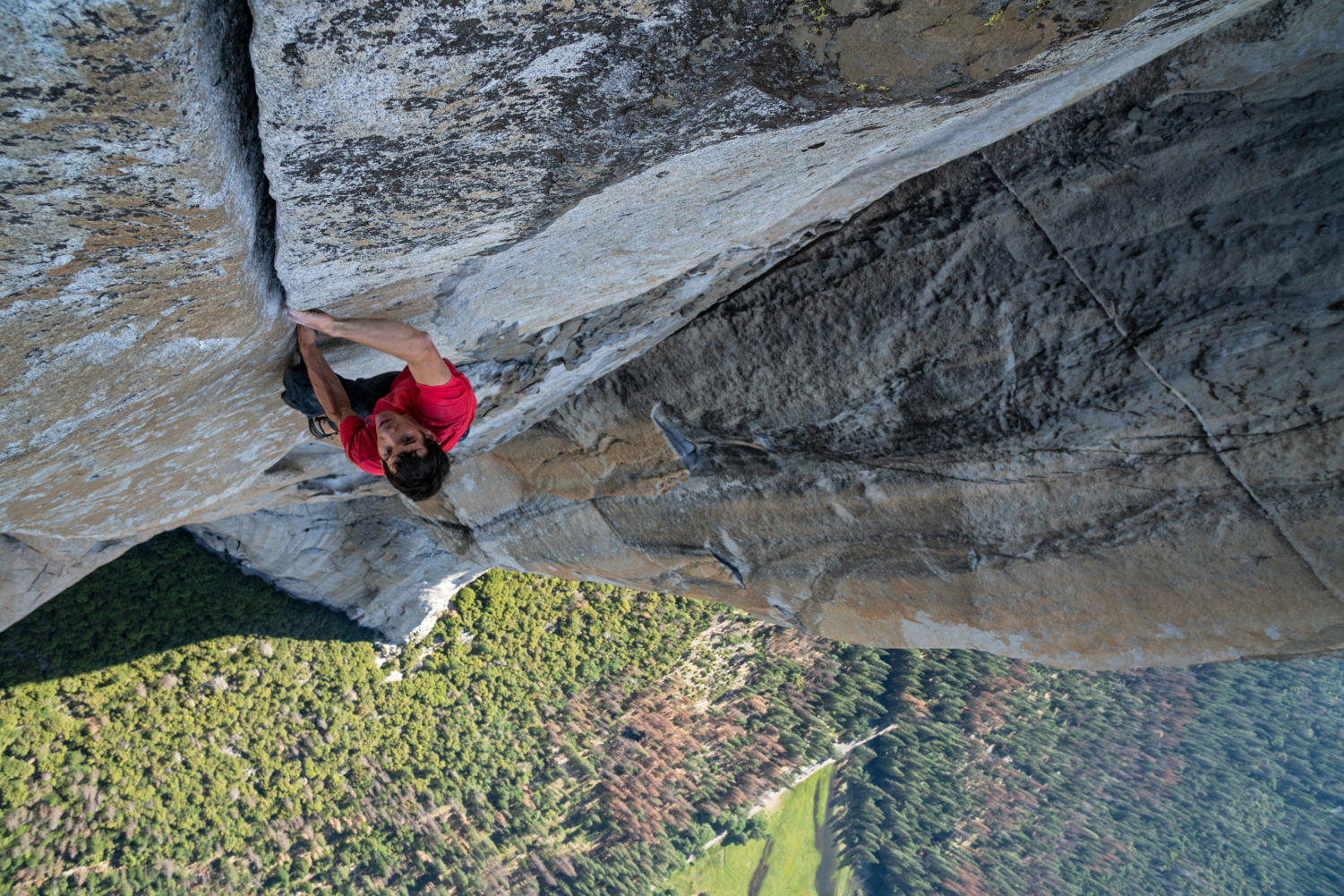Alex Honnold becomes the first person to climb Yosemite National Park's El Capitan without any rope.