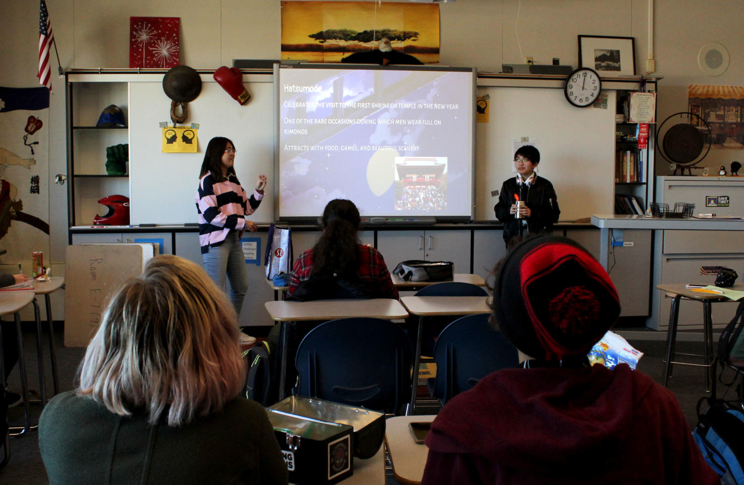 Eli Wallow and Liana Feigelson attentively learn about Japanese culture.