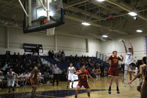 Carlmont JV boys basketball suffer un-Bear-able defeat to Menlo-Atherton