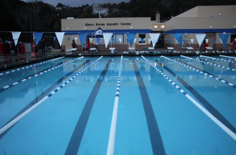The+aquatic+facility%27s+first+day+open+to+the+public%2C+all+lanes+clear+after+Carlmont+swim+team+leaves+and+the+Otter+swim+team+gets+ready+to+practice.