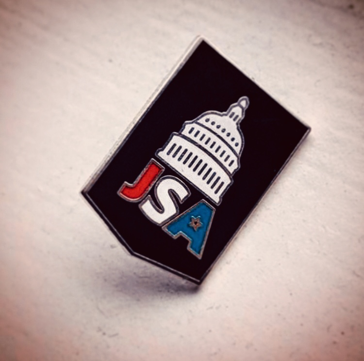 The+Junior+State+of+America+Club+teaches+members+to+listen+to+others%27+points+of+view+and+discuss+important+issues.