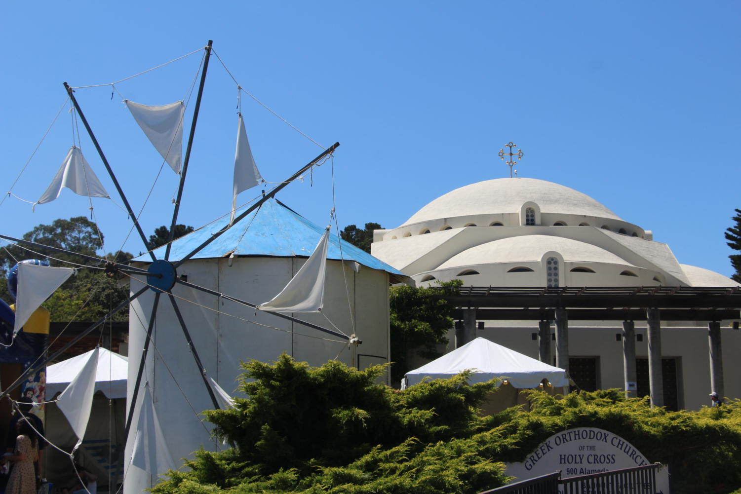 The+Greek+Orthodox+Church+of+the+Holy+Cross+hosts+the+Greek+Festival.