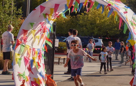 Tierra Linda-Mariposa students and families raise money at the Color Run