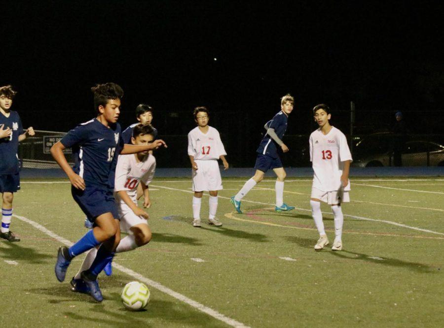 Boys JV soccer dominates Mills in preseason scrimmage
