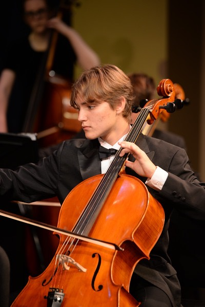 Wesley Costa plays the cello.