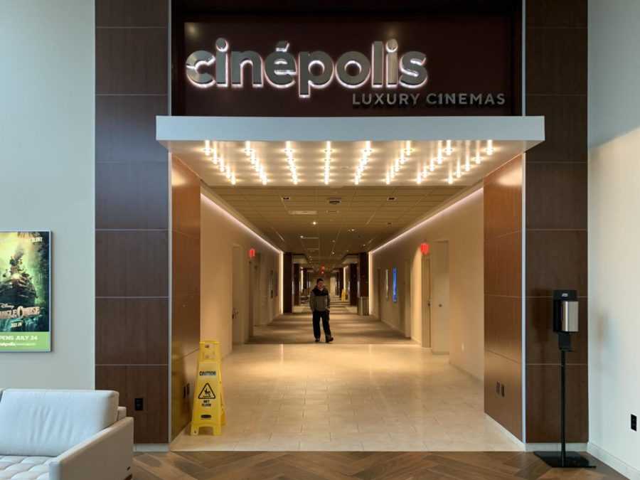Poor food service ruins the Cinépolis movie theater experience