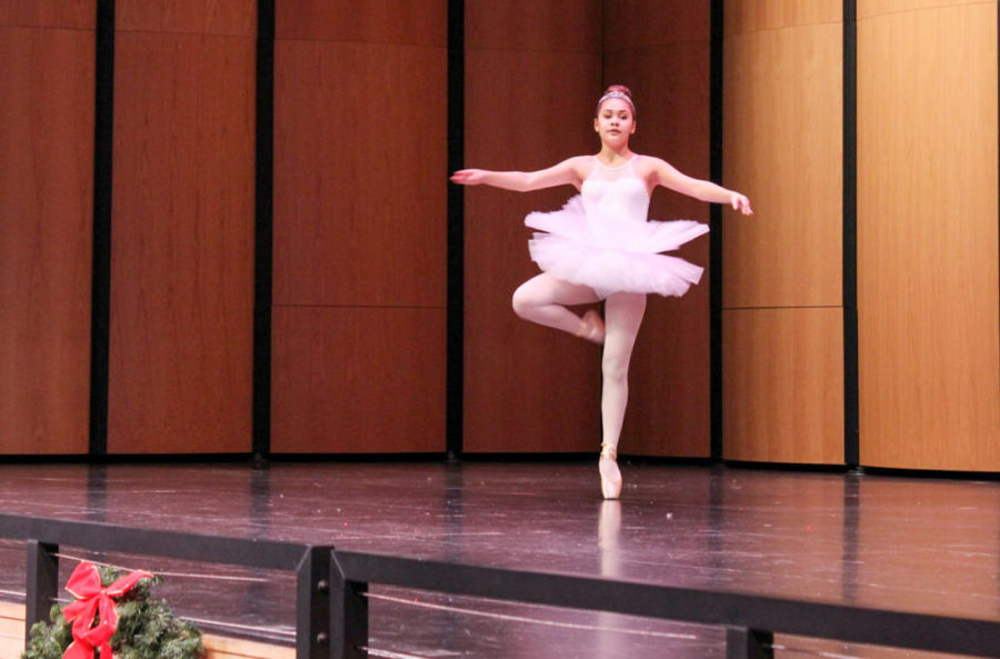 Jordan+Dooley%2C+a+freshman+playing+the+role+of+the+Sugar+Plum+Fairy%2C+dances+her+ballet+performance+of+%22The+Dance+of+the+Sugar+Plum+Fairy%22.