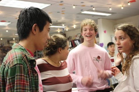 Seniors KaiFu Wei, Greta Foehr, Jackson Cook, and freshman Noe Foehr engage in a conversation.