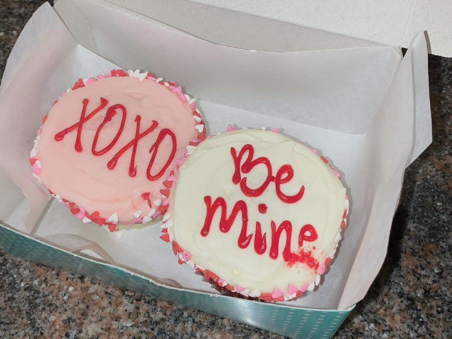 Many+bakeries+on+Valentine%27s+Day+cater+towards+the+holiday+and+gain+a+lot+of+business+because+of+that.+%E2%80%9CFor+Valentine%E2%80%99s+Day%2C+it%E2%80%99s+all+about+supporting+our+culinary+team+and+making+sure+we+have+enough+inventory+for+the+busy+holiday%2C%E2%80%9D+Eva+Robertson+said.