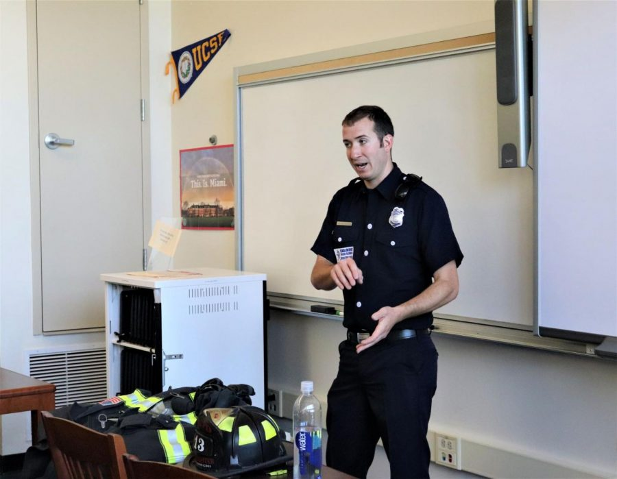 Firefighter+EMT+Dan+Petrochi+gives+insight+on+his+job+during+a+presentation+in+the+College+and+Career+Center.