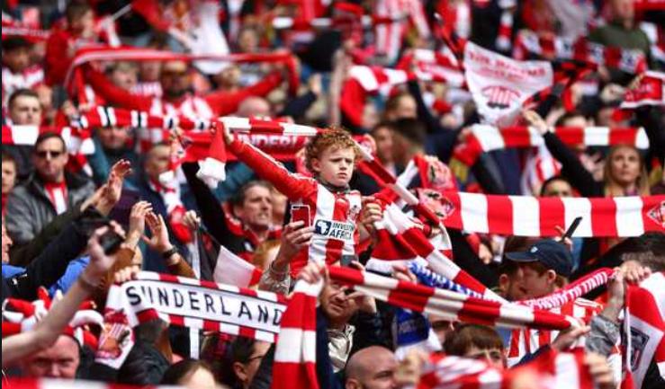Sunderland+fans+celebrate+after+a+goal+was+scored.