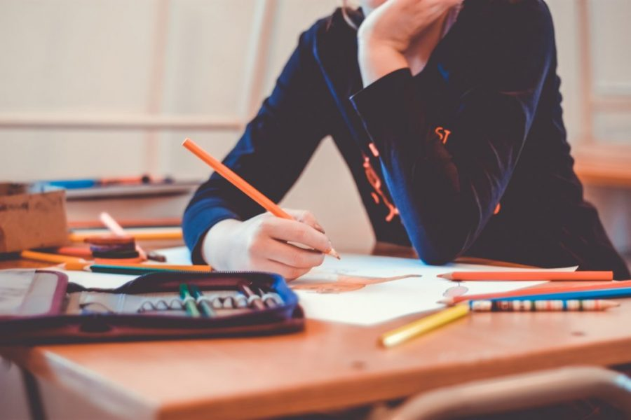 Students often struggle to stay motivated and organized during distance learning.
